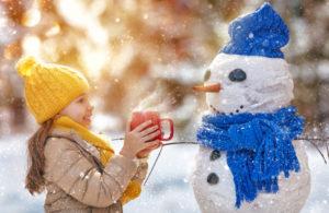 Tyttö ja lumiukko
